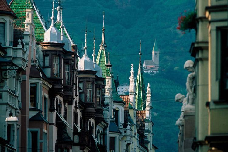 Bolzano bozen alto adige emozioni tra mediterraneo e for Azienda soggiorno merano